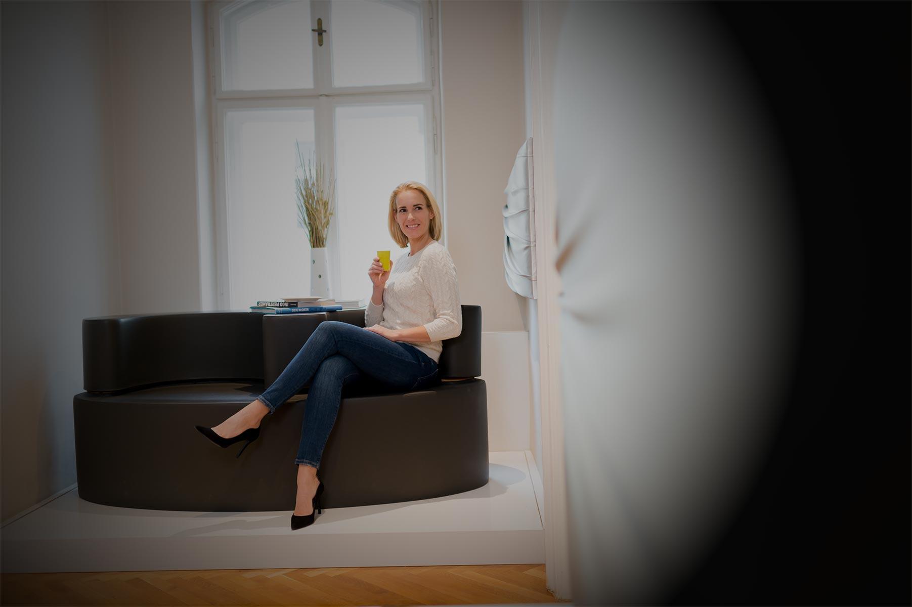 Dr. Schuster. Ihr Ästhetikzentrum in Salzburg. Behutsam, still, anders - Plastische Chirurgie ohne Skalpell
