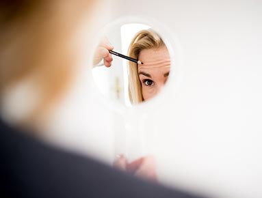 Stirnfalten entfernen & Falten behandeln. Botox & Unterspritzungen in Salzburg.